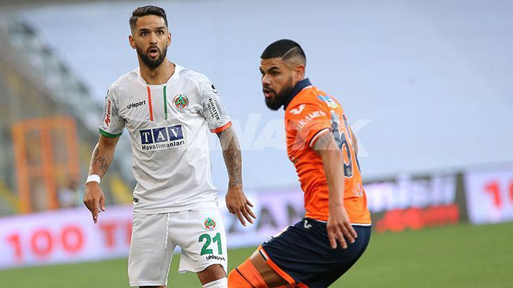 Başakşehirde Lima ilk 11de, Zulj ve Ahmed Kutucu yedek kulübesinde