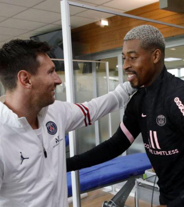 Messi PSG'de ilk çalışmasına çıktı! Mbappe ve Sergio Ramos ile buluştu