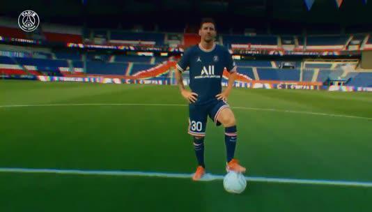 PSG Messi transferini bu görüntülerle duyurdu!